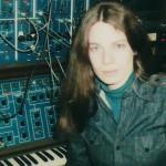 מוסיקה אלקטרונית אפלולית משנות ה-70 נמצאה ב'משחקי הרעב'